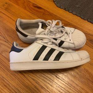 Adidas superstar size 7 1/2